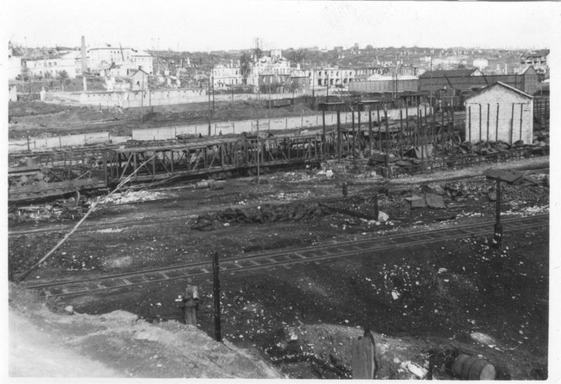 Советская железнодорожная станция в 8 километрах западнее Смоленска после немецкой бомбардировки