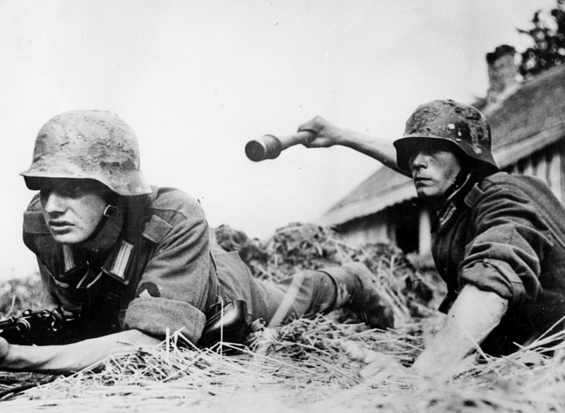 Солдаты вермахта в боях августа 1941 года