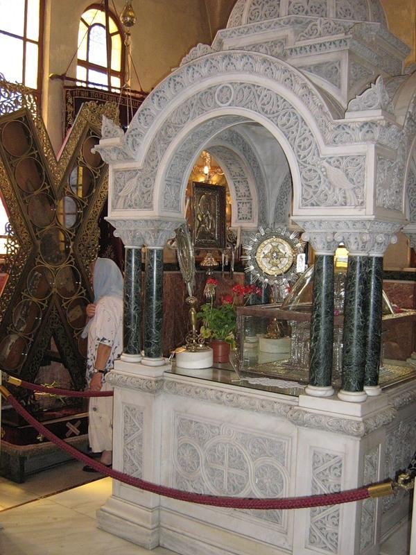 Ковчег с Честной главой и крест апостола Андрея Первозванного