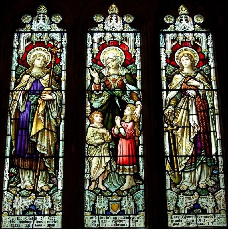 Вера, Любовь, Надежда. Витраж в храме святого Иоанна посёлка Llandenny (Уэльс, Великобритания)