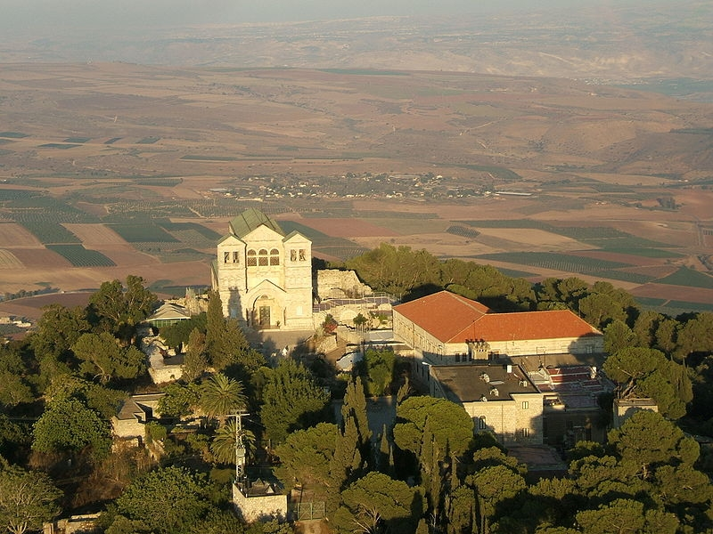 Картинки по запросу храм Преображения на горе Фавор